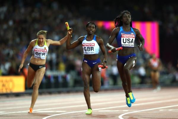 Tori Bowie anchors the US 4x100m quartet to victory at the IAAF World Championships London 2017 (Getty Images)